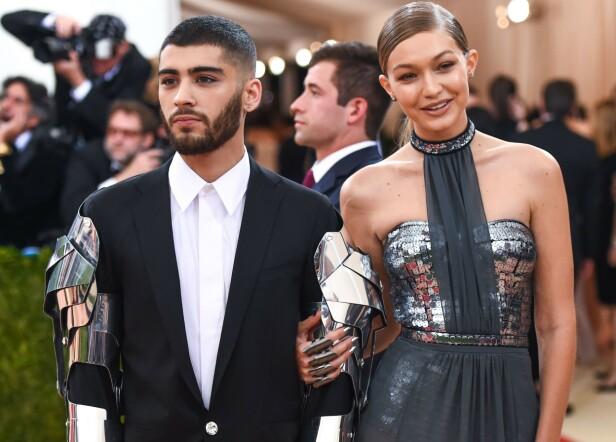 MET-GALLAEN: Zayn Malik blir trolig ikke å se under Met-gallaen i år. Her med Gigi Hadid i 2016. Foto: NTB Scanpix