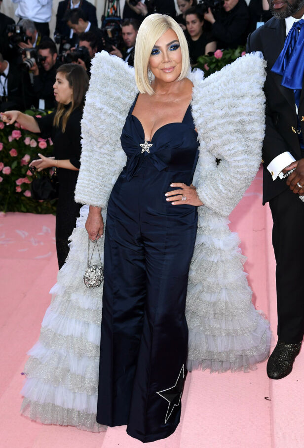 HEI SVEIS: Kris Jenner hadde blondt hår for anledningen. Foto: NTB scanpix
