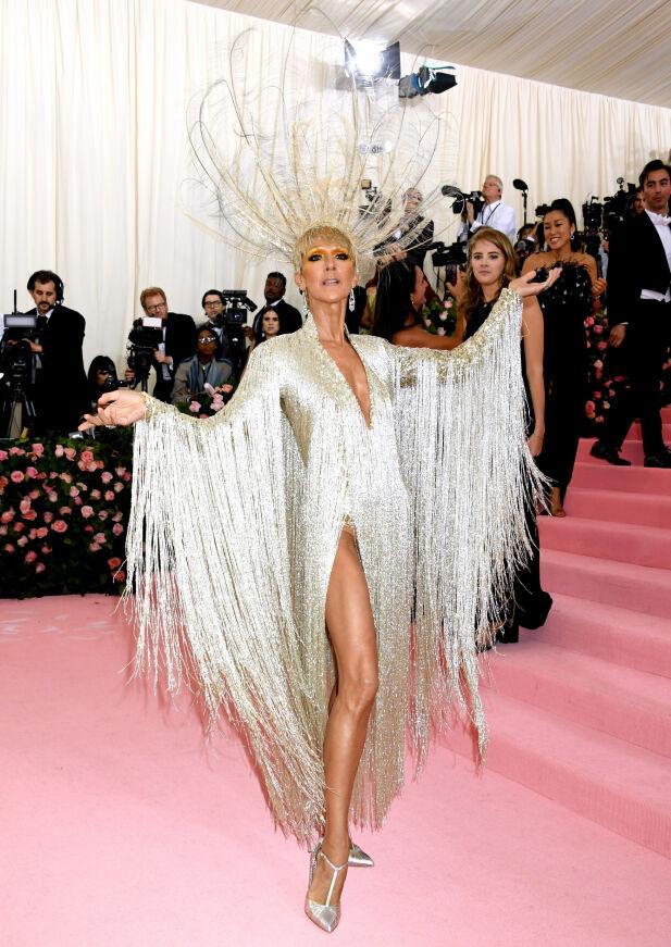 OVERDÅDIG: Hadde ikke Celine Dion fått hjelp av motefiffen hos Oscar de la Renta, er det ikke sikkert hun hadde klart å kle seg «ordentlig» til festen. Foto: NTB scanpix