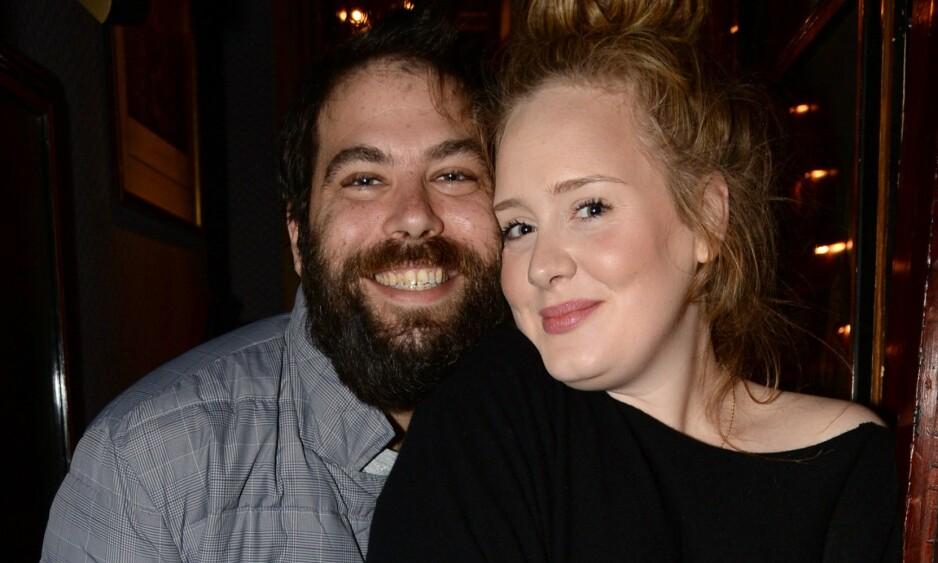 SINGEL: I april ble det kjent at Adele og ektemannen har gått hver til sitt. Det kommende året vil sangstjerna fokusere på seg selv. Foto: NTB Scanpix