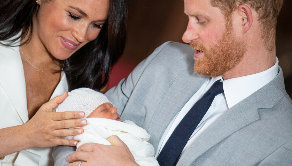 NYBAKTE FORELDRE: Mandag ble hertuginne Meghan og prins Harry foreldre til en liten gutt. Onsdag avslører de navnet. Foto: NTB Scanpix