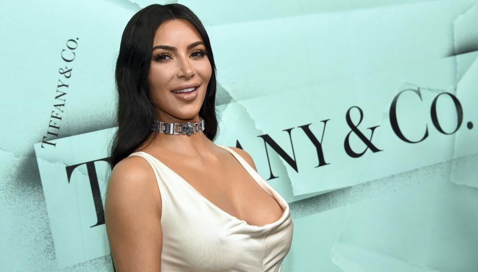 BLE MAMMA IGJEN: Fredag fikk Kim Kardashian sin andre sønn. Fra før av er hun mamma til sønnen Saint (3) og døtrene North (5) og Chicago (1). Foto: NTB Scanpix