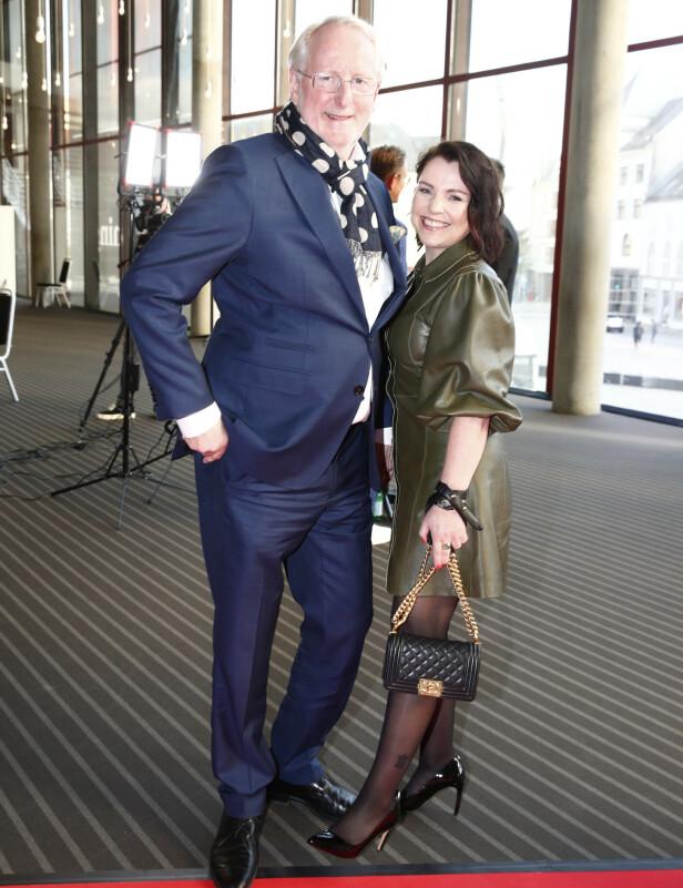 MED KJÆRESTEN: I år som i fjor kom Eyvind Hellstrøm sammen med kjæresten Anita Rennan på rød løper før Gullruten 2019 i Bergen. Foto: Terje Pedersen / NTB scanpix