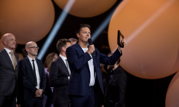 VANT PRIS: Andreas Wahl mottok pris for «Folkeopplysningen». Foto: Evind Senneset / TV 2 / NTB Scanpix