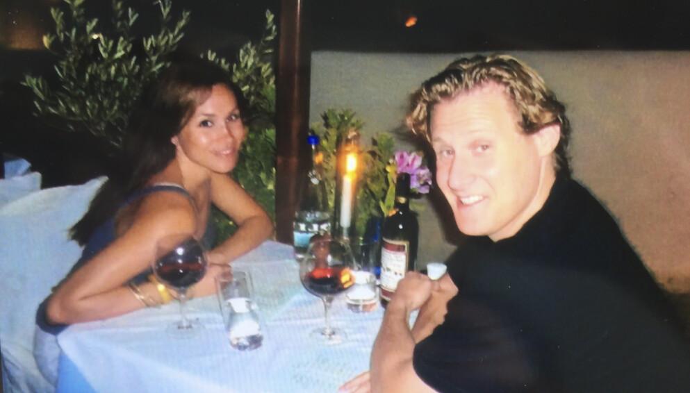 EKSMANN: I underkant av to år var Meghan gift med Trevor Engelson. Her er de avbildet sammen under en ferietur til Mexico. Foto: Splash News/NTB