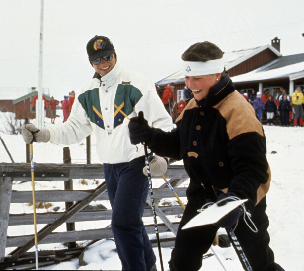 <strong>FØRSTE KJÆRESTE:</strong> Märtha Louise ble sammen med Thomas Salvesen i 1989. Her er de fotografert i 1990, på påskeferie i Skikkilsdalen. Omtrent et år etter ble det kjent at de to hadde gått hver til sitt. Foto: Odd Steinar Tøllefsen / NTB scanpix