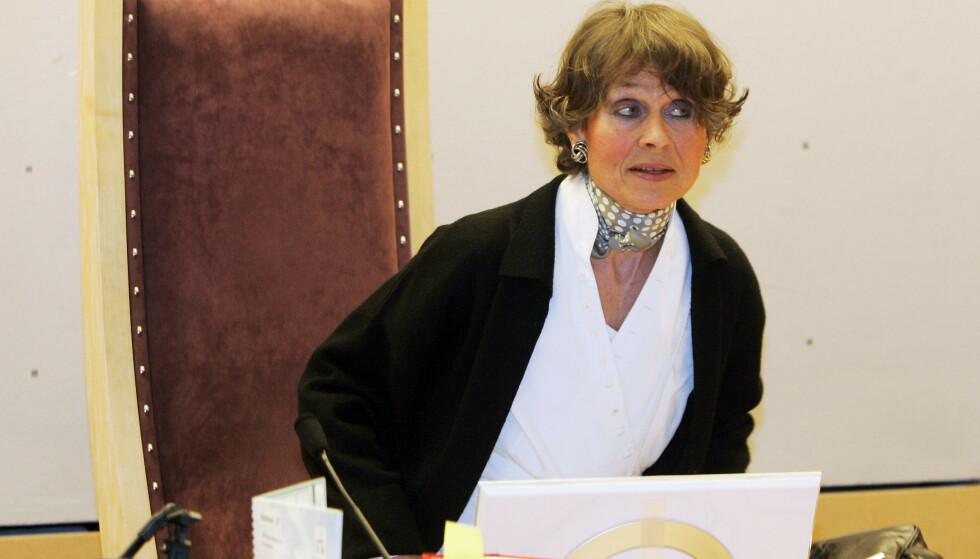 PROFILERT DOMMER: Sissel Berdal Haga jobbet som tingrettsdommer inntil hun var 70 år gammel. Her er hun fotografert i Oslo Tingrett i 2007, før fengslingsmøtet i forbindelse med drapet på Mohamed Ahssain. Foto: NTB Scanpix