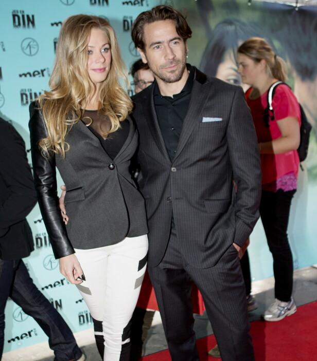 MED EKSKJÆRESTEN: Etter bruddet med Noomi har Ola vært koblet til flere andre kvinner. Her ankom han premieren på den norske filmen  «Jeg er din» på Klingenberg kino i Oslo i 2013 med sin daværende kjæreste Nadia .