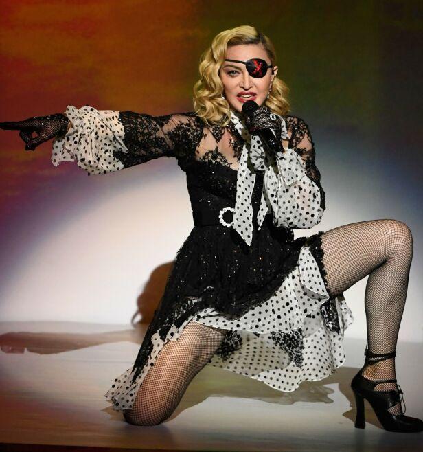 KONTRAKTSFORVIRRING: De siste dagene har det vært uvisst hvorvidt Madonna ville stå på scenen under finalen lørdag. Nå er det bekreftet. Her er hun på scenen under Billboard Music Awards i Las Vegas 1. mai. Foto: NTB Scanpix