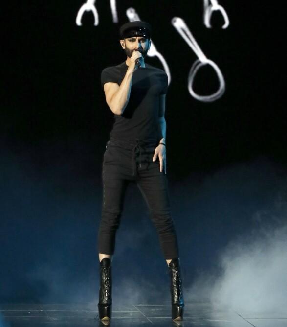 I KVELD: Conchita hadde dette antrekket på seg da han øvde til kveldens Eurovision-finale. Foto: NTB scanpix