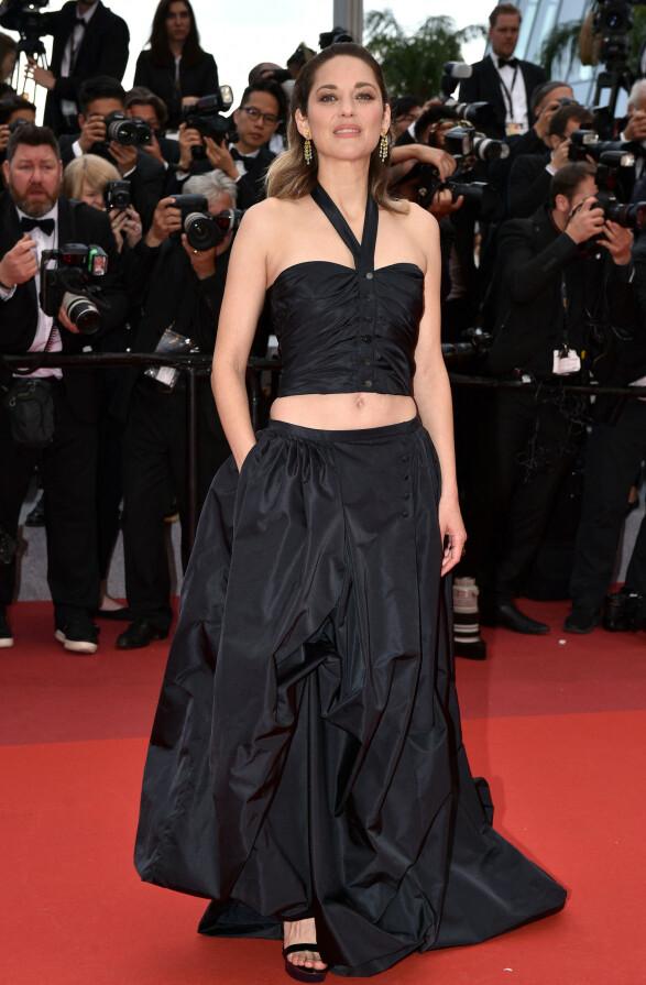 <strong>MARION COTILLARD:</strong> Stjernen stilte i Chanel Haute Couture på «La Belle Epoque»-premieren mandag kveld. Foto: NTB scanpix
