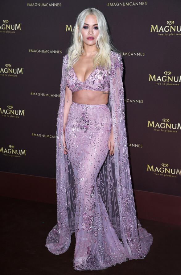 <strong>RITA ORA:</strong> Stjernen minnet om en havfrue i Zuhair Murad Haute Couture på Magnum-festen i Cannes forrige uke. Foto: NTB scanpix