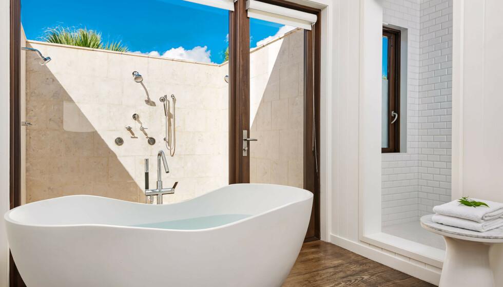 LEKRE DETALJER: Boligen har hele 13 bad, som alle er utstyrt med moderne, lekre detaljer. Flere av badene har også utendørs dusj. Foto: NTB Scanpix