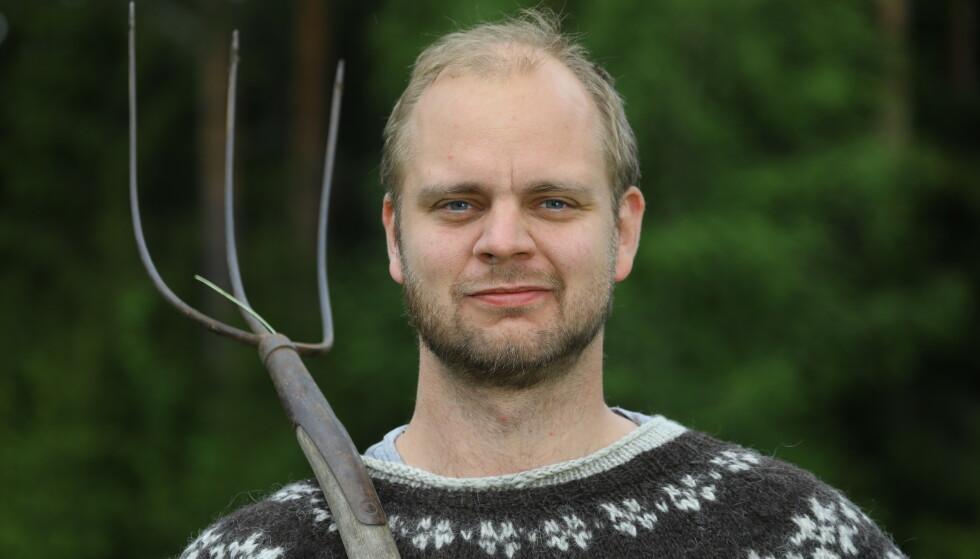 DELER SENG MED PER SANDBERG: Mimir Kristjansson har to mål med å være med på gårdskonkurransen, og håper han klarer å få begge oppnådd. Foto: Morten Eik