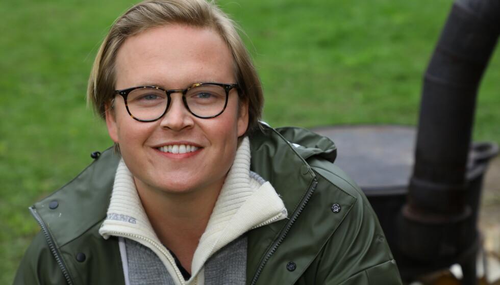 HODELØS KYLLING: Det er slik Vidar Villa beskriver seg selv etter ett døgn på gården. Foto: Morten Eik