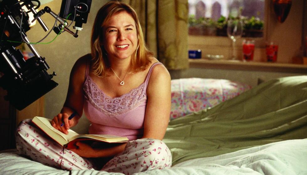 FILMSTJERNE: Renée Zellweger er kanskje best kjent for rollen som Bridget Jones. Her fra innspillingen av filmen «Bridget Jones på randen», som kom i 2004. Foto: NTB Scanpix
