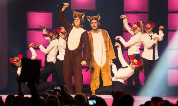 SUKSESS: Bård og Vegard Ylvisåker på scenen i Toronto i 2013, under The Big Jingle på Air Canada Centre. Foto: Retna / All Over Press