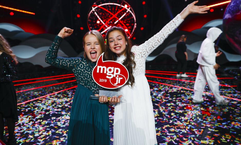 SEIER: Emma & Anna stakk av med seieren i MGPjr 2019. Foto: NTB Scanpix