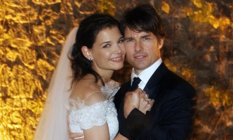ITALIENSK BRYLLUP: Da skuespillerparet Tom Cruise og Katie Holmes giftet seg i et italiensk slott, var det mye som minnet om et eventyrbryllup. Dessverre endte ikke ekteskapet på eventyrlig vis. Foto: NTB Scanpix