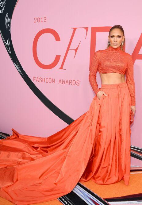 FLOTT: Jennifer Lopez strålte i dette antrekket, som virkelig fikk vist frem hennes topptrente kropp. Foto: NTB Scanpix