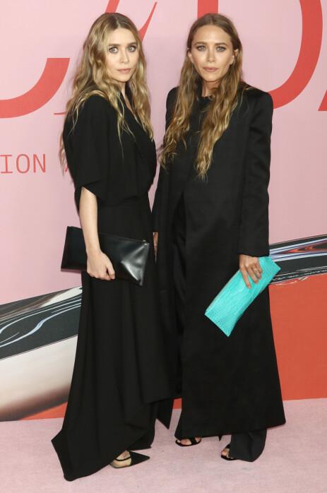 DESIGNERSØSTRE: Mary-Kate og Ashley Olsen. Foto: NTB Scanpix