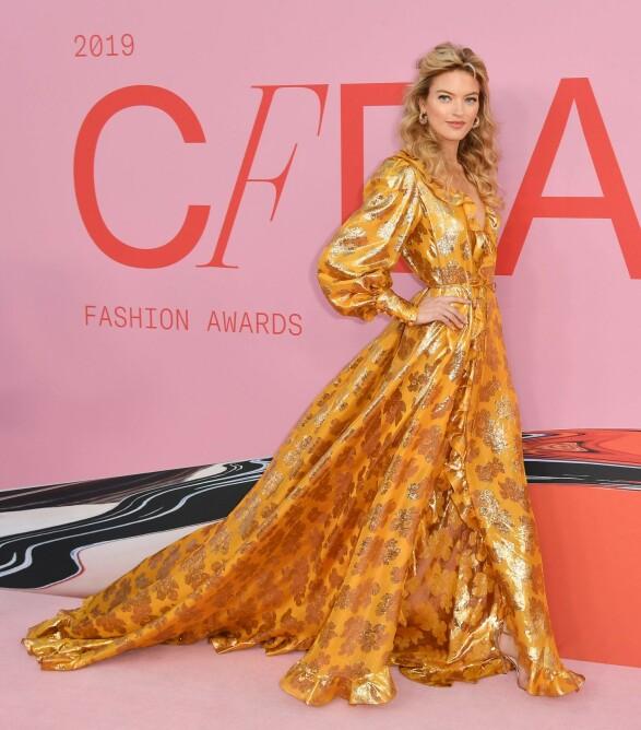 FLOTT: Modell Martha Hunt hadde på seg en kjole fra Monique Lhullier. Foto: NTB Scanpix