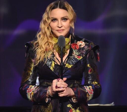 <strong>HOLDT TORDENDALE:</strong> Madonna sparte ikke på kruttet da hun ble hedret under Billboard Women in Music i New York i dese,mber 2016. Foto: NTB scanpix