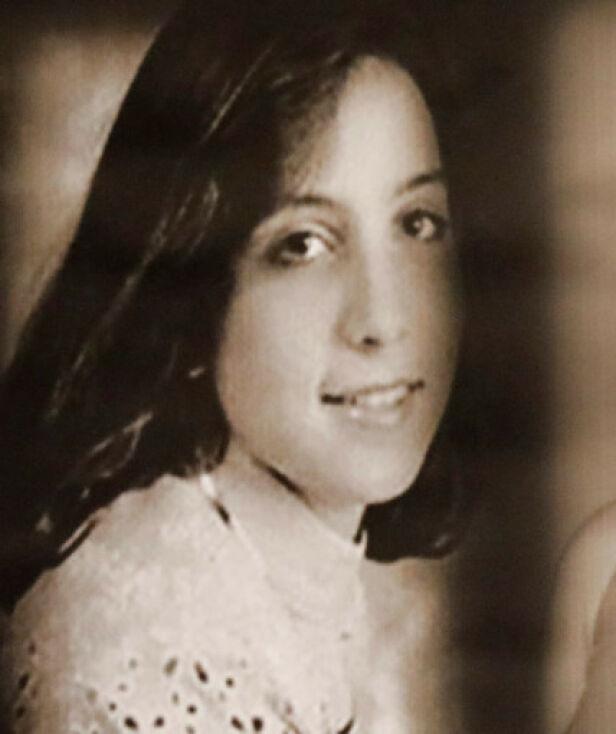 - FØRSTE OFFER: I 1993 ble Tricia Pacaccio funne drept utenfor sin egen ytterdør, etter gjentatte knivstikk. Foto: NTB Scanpix