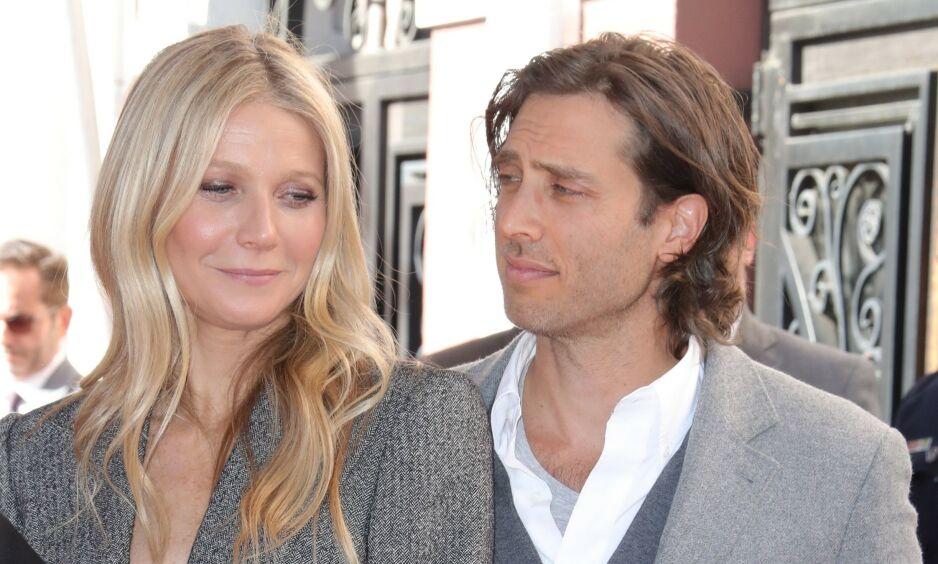 GIFT: Gwyneth Paltrow og Brad Falchuk giftet seg i september i fjor. Nå avslører førstnevnte uvanlige valg i ekteskapet. Foto: NTB Scanpix