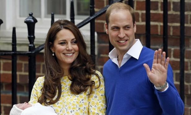 SURROGATISPEKULASJONER: Grunnen til at flere tror at hertuginnen brukte en surrogat, er at hun så såpass bra ut da hun viste fram datteren etter fødselen. Foto: NTB Scanpix