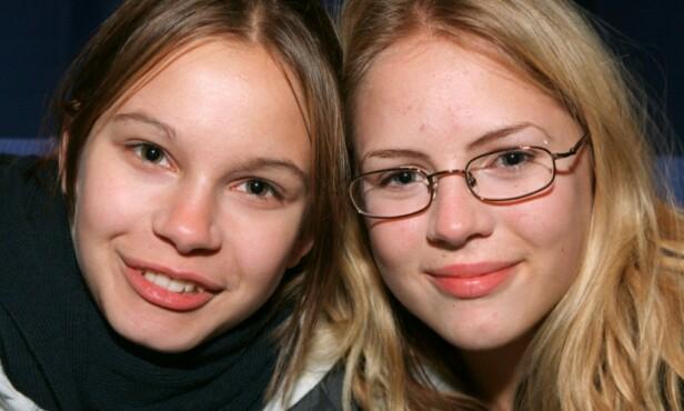 AGNES OG ELIN: Rebecka Liljeberg (t.v) og Alexandra Dahlstrøm (t.h) spilte rollene som Agnes og Elin. Foto: NTB scanpix