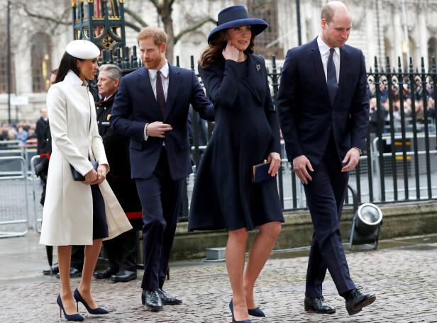 KRITISERES: Hertuginne Meghan og prins Harry får kritikk fra den rojale fansen etter det mange mener er en upersonlig bursdagshilsen til prins William. Her er hertugparene avbildet denne måneden. Foto: NTB scanpix