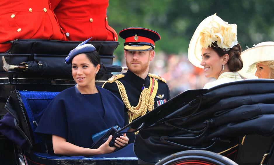 BURSDAGSHILSEN: Fredag fylte prins William 37 år og i den anledning kom hertuginne Meghan og prins Harry med en bursdagshilsen til 37-åringen. Men gratulasjonen falt ikke i god jord hos den rojale fansen. Foto: NTB scanpix