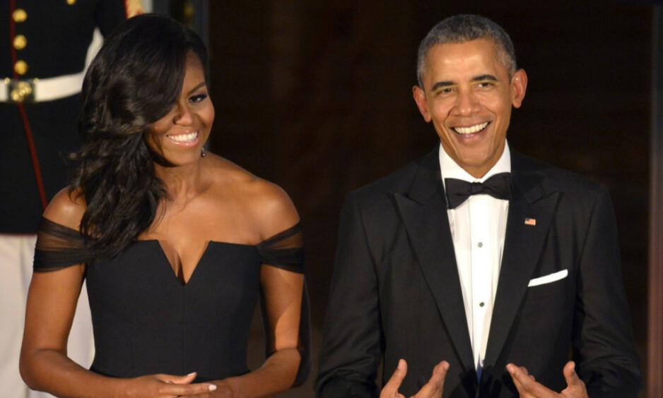 PÅ FERIE: Livet til Michelle og Barack Obama har blitt snudd opp ned etter at de flyttet ut av Det hvite hus i 2017. Nå er de to og døtrene på ferie i Italia - hos ingen ringere enn skuespiller George Clooney og kona, menneskerettighetsadvokaten Amal. Foto: NTB Scanpix