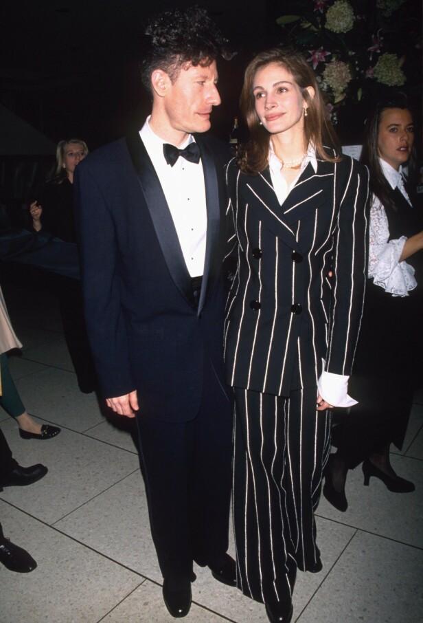 SPONTANT BRYLLUP: Da Julia Roberts og Lyle Lowett bestemte seg for å gifte seg kom det som en stor overraskelse på mange. Her er eksparet avbildet i 1993. Foto: NTB Scanpix