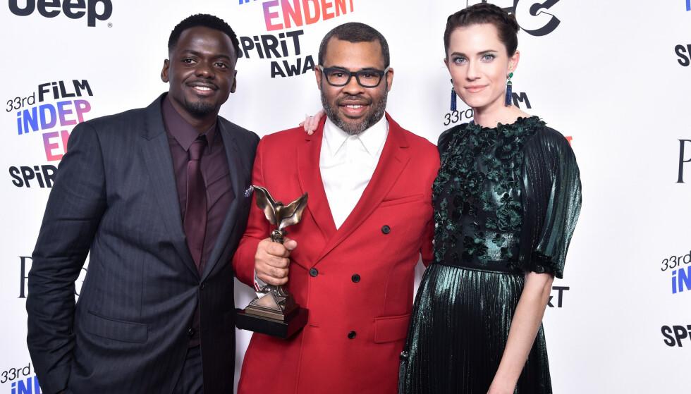 <strong>SKREKK-SUKSESS:</strong> Williams spilte hovedrollen i Jordan Peeles gjennombrudd «Get Out». Her med Daniel Kaluuya og Jordan Peele på 33rd Film Independent Spirit Awards. Foto: NTB Scanpix.