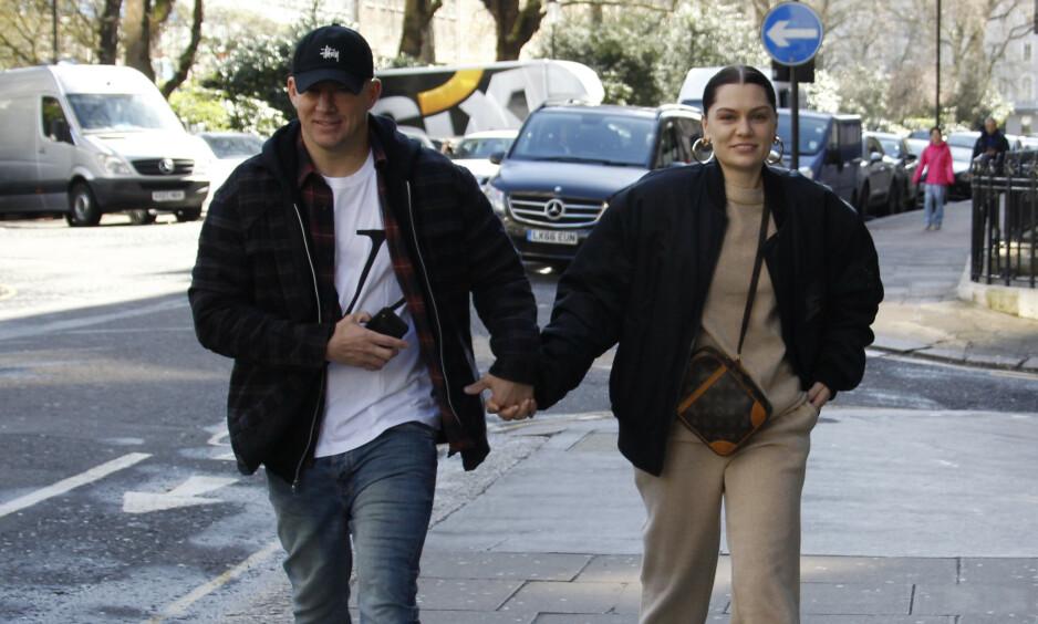 ROMANTISKE BILDER: Stjerneparet Jessie J og Channing Tatum har holdt en svært lav profil siden de ble koblet til hverandre i oktober i fjor. Nå deler imidlertid sangstjernen romantiske bilder sammen med den kjekke skuespillerkjæreste. Foto: NTB scanpix