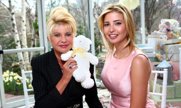 MOR OG DATTER: Her er Ivana og Ivanka Trump sammen under en babyshower i 2007. Foto: NTB Scanpix