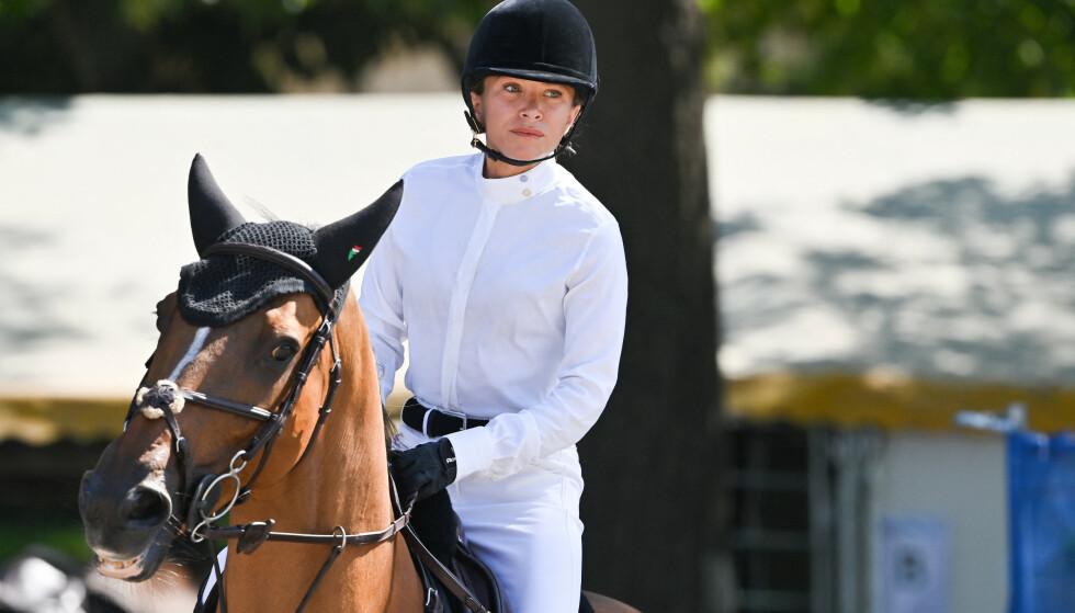 AKTIV RYTTER: Mary-Kate Olsen er en aktiv rytter innenfor sprangridning, og drar på stevner og konkurranser rundt i verden. Foto: NTB Scanpix
