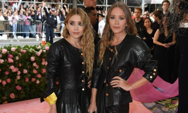 RIKE SØSTRE: Mary-Kate og Ashley Olsen har gjort stor suksess i underholdningsbransjen og motebransjen. Foto: NTB Scanpix.
