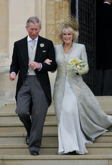 AFFÆRE: Da romanseryktene mellom Charles og sangstjernen sirkulerte, var han separert fra avdøde prinsesse Diana, som er mor til hans to barn. Han hadde også innledet et forhold til hertuginne Camilla, som ble hans kone i 2005. Her er de avbildet på bryllupsdagen. Foto: NTB Scanpix