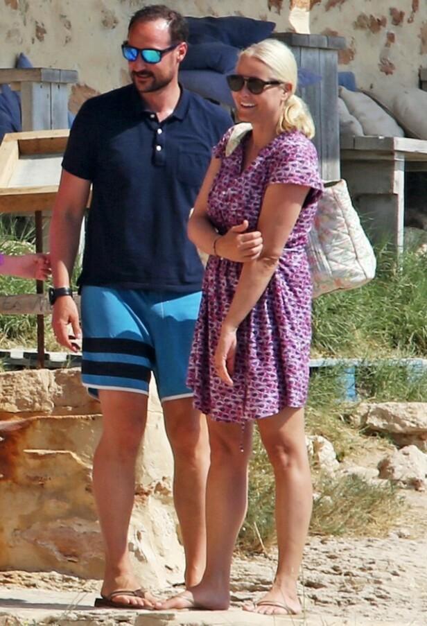 FERIE: Her er kronprinsparet på Ibiza tidligere i sommer. Foto: NTB Scanpix