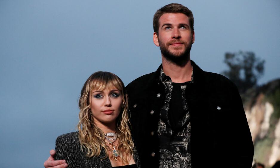 UNIKT FORHOLD: I et ferskt intervju forteller Hollywood-stjernen Miley Cyrus åpenhjertig om ekteskapet til Liam Hemsworth og hvorfor hun ikke foreløpig ikke vil ha barn. Foto: NTB Scanpix