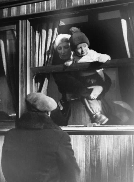 <strong>TOK TOGET:</strong> Da kronprinsfamilien skulle på påskeferie i 1939, tok kronprinsesse Märtha, kronprins Olav og prins Harald toget. Foto: NTB Scanpix