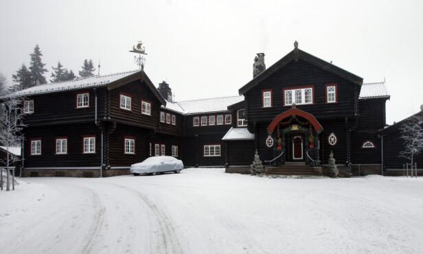 <strong>KONGSSETEREN:</strong> Kongevillaen, i dag kalt Kongsseteren, ligger på Voksenkollen i Oslo. Den sto ferdig i 1910. Kong Haakon fikk i sin tid nei da han ba om midler til oppussing av boligen. Den ble sist pusset opp for flere år siden. Foto: NTB Scanpix