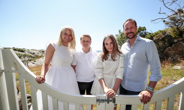 HJEMME I NORGE: Tidligere denne måneden var hele kronprinsfamilien på ferie på Ibiza. Resten av ferien skal de tilbringe på den flotte sørlandsøya. Foto: Lise Åserud / NTB Scanpix