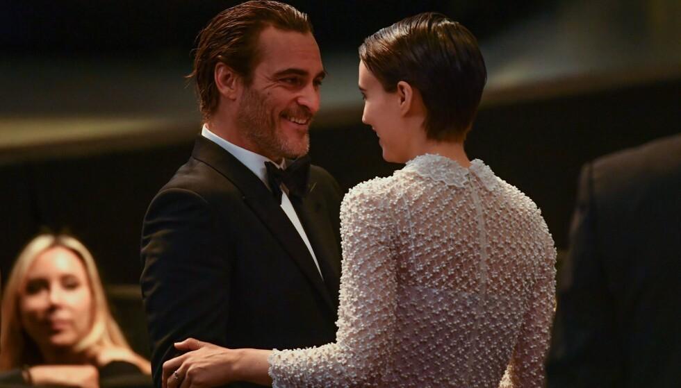 FORELSKET: Da skuespillerne ankom avslutningsseremonien av filmfestivalen i Cannes i 2017, så de svært forelsket ut. Foto: NTB Scanpix
