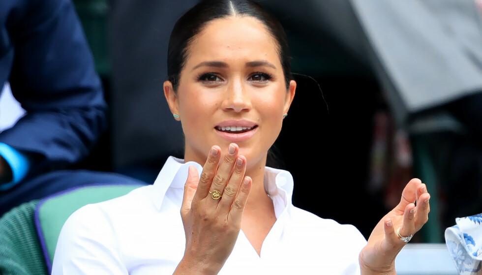 KRASS KRITIKK: Nylig ble det kjent at hertuginne Meghan skal være gjesteredaktør for den kommende septemberutgaven av britiske Vogue. Forsiden har allerede blitt sluppet og i løpet av et døgn har den allerede vakt stor oppsikt. Foto: NTB Scanpix/ Reuters