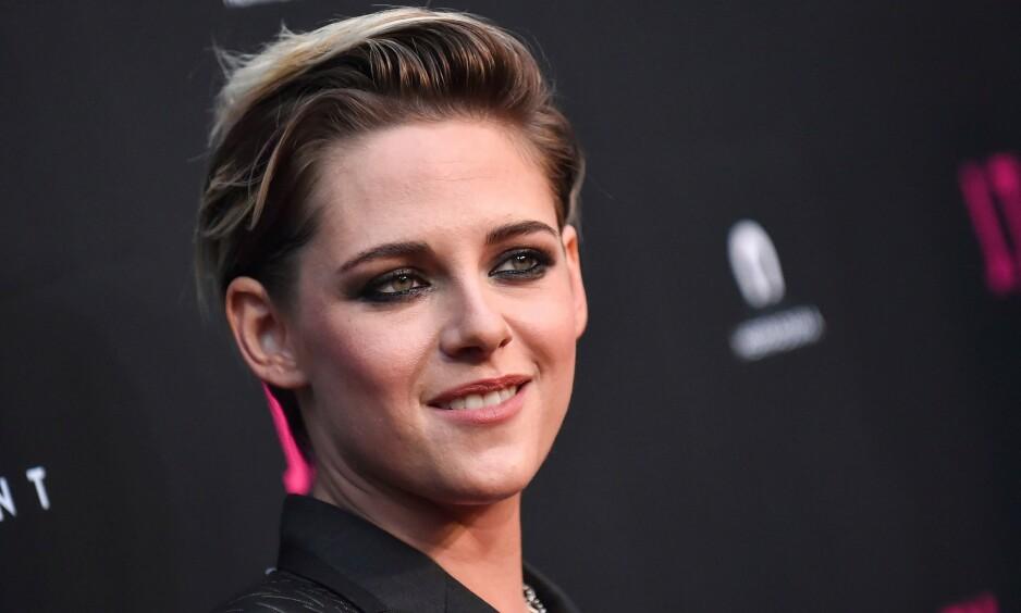 SNAKKER UT: Skuespillerstjernen Kristen Stewart forteller i et nytt intervju om hvordan berømmelsen etter Twilight-filmene påvirket henne. Foto: NTB Scanpix