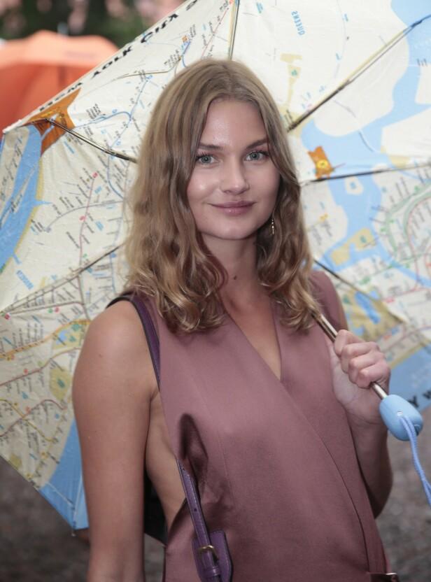 IKKE KLAR FOR NYE VENNER: Den norske skuespilleren Iben Akerlie forteller at hun ikke orker å bli kjent med folk uten å vite om hun kommer til å like dem. Foto: NTB Scanpix